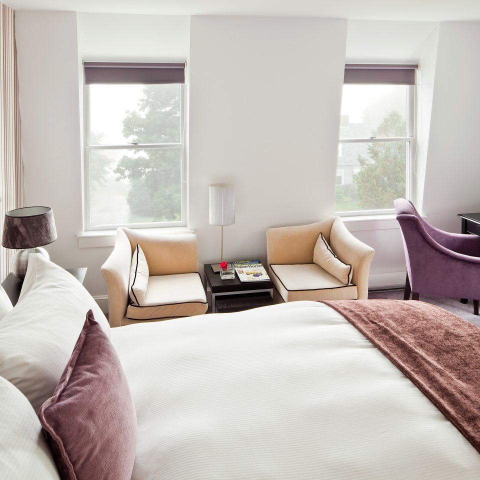 Bedroom Inn sofa property Suite living room home cottage