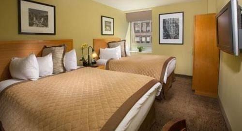 property Bedroom cottage Suite Villa condominium Inn tan