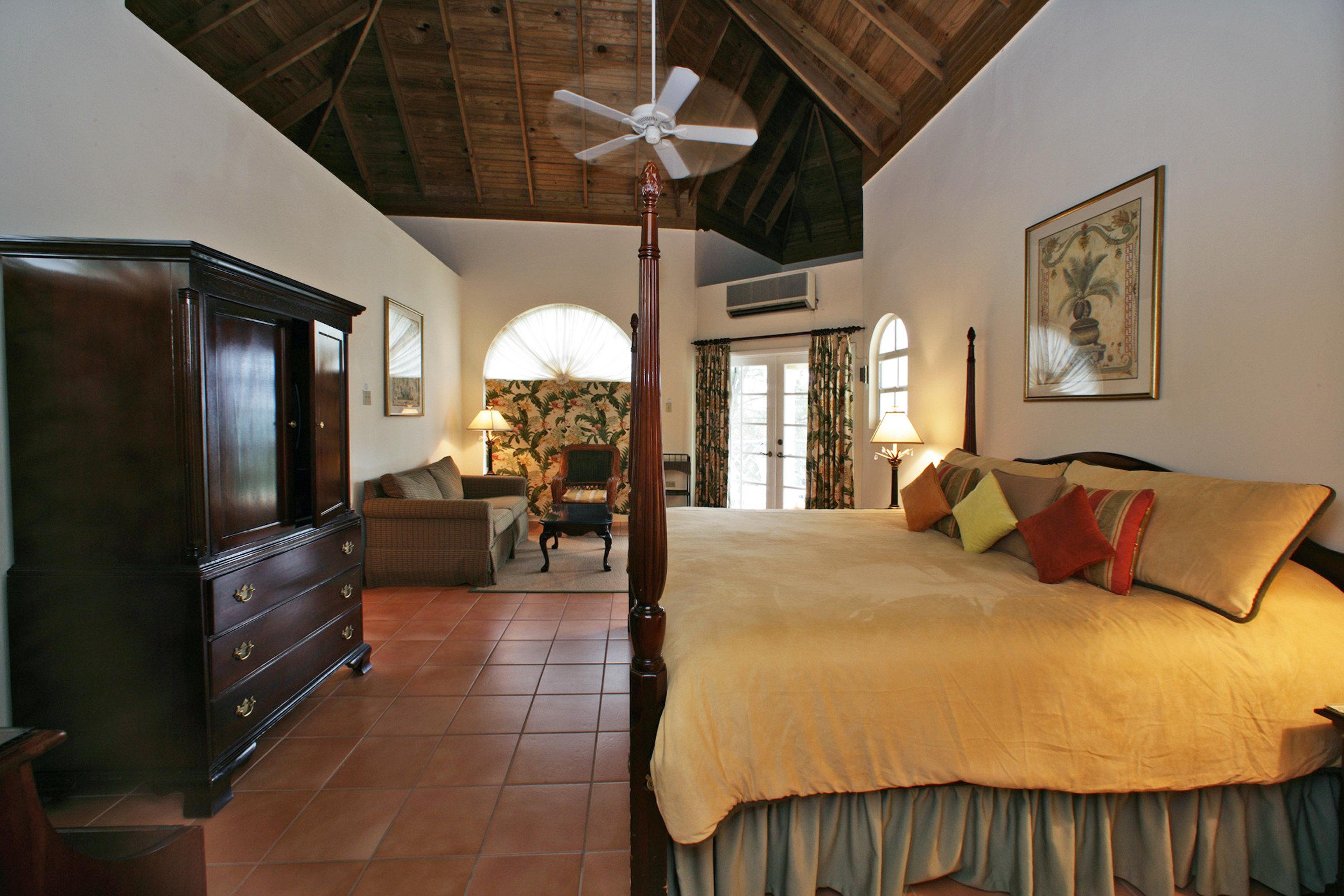 Bedroom Island Suite property cottage Villa home living room Resort farmhouse