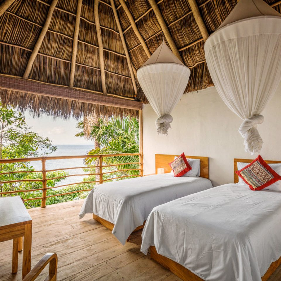 Bedroom Island Treehouse property Resort cottage Villa Suite