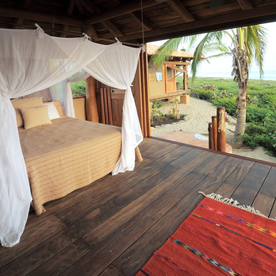 Bedroom Island Treehouse property wooden cottage Villa tied