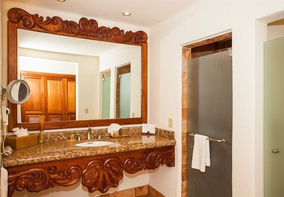 bathroom mirror property home vanity hardwood cabinetry sink cottage Suite mansion Villa Kitchen farmhouse towel Bedroom fancy