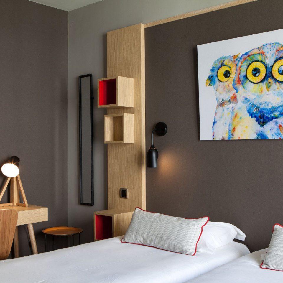 Bedroom modern art living room
