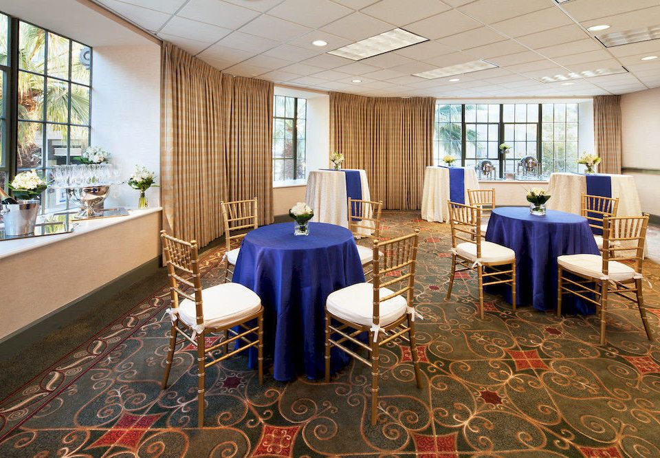 chair Lobby conference hall function hall restaurant convention center rug Bedroom