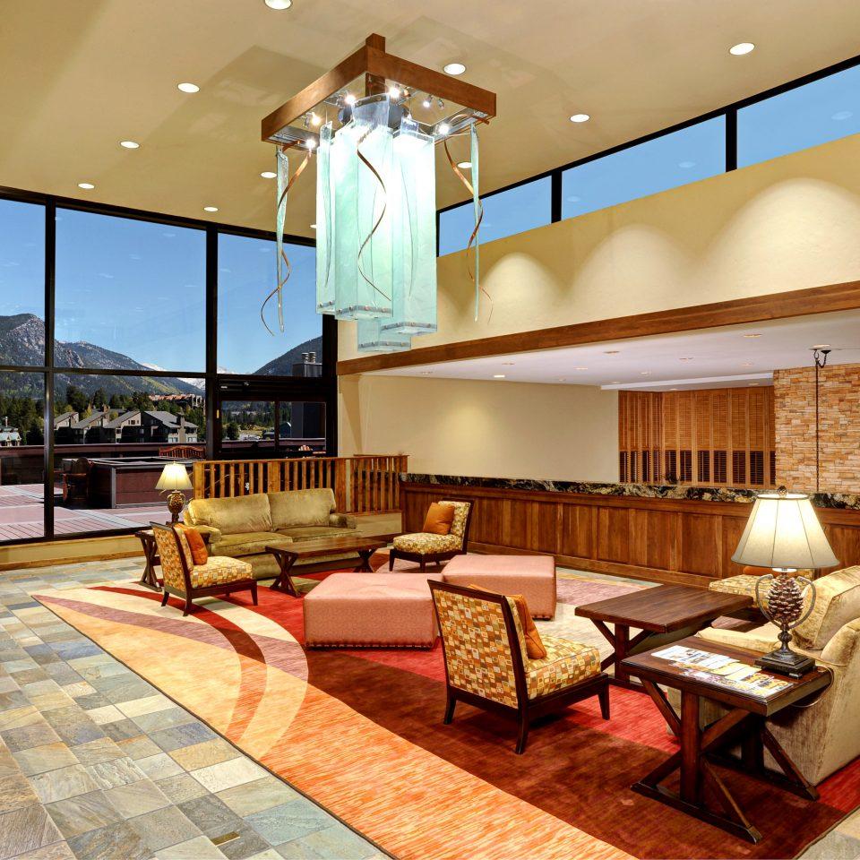 Lodge Lounge Rustic property Lobby living room condominium Resort Suite Bedroom home Villa