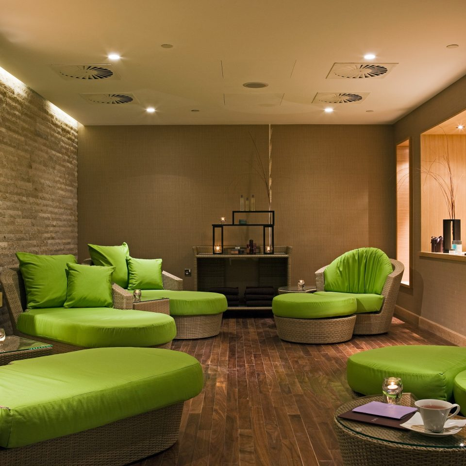 Lounge Resort Spa Wellness green Lobby property living room condominium home Suite lighting Bedroom