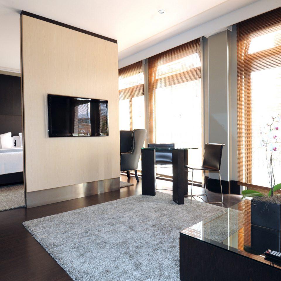 Bedroom Luxury Modern Scenic views Suite property condominium living room home Lobby Villa loft