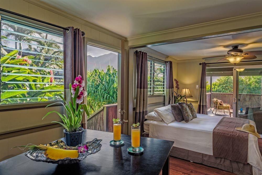 Bedroom Resort Scenic views property living room condominium home Lobby mansion Villa Suite porch plant