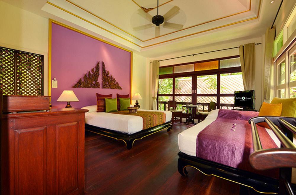 property living room Suite home Bedroom Resort mansion recreation room Lobby Villa