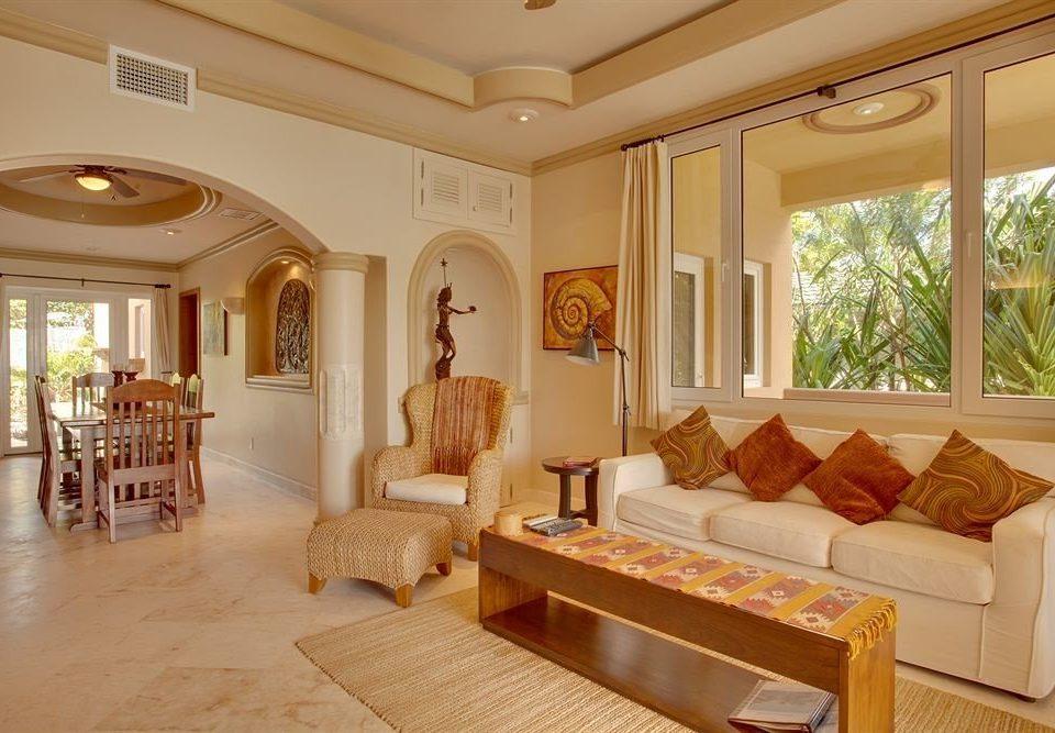 sofa property living room mansion Lobby Suite Villa home condominium Resort Bedroom