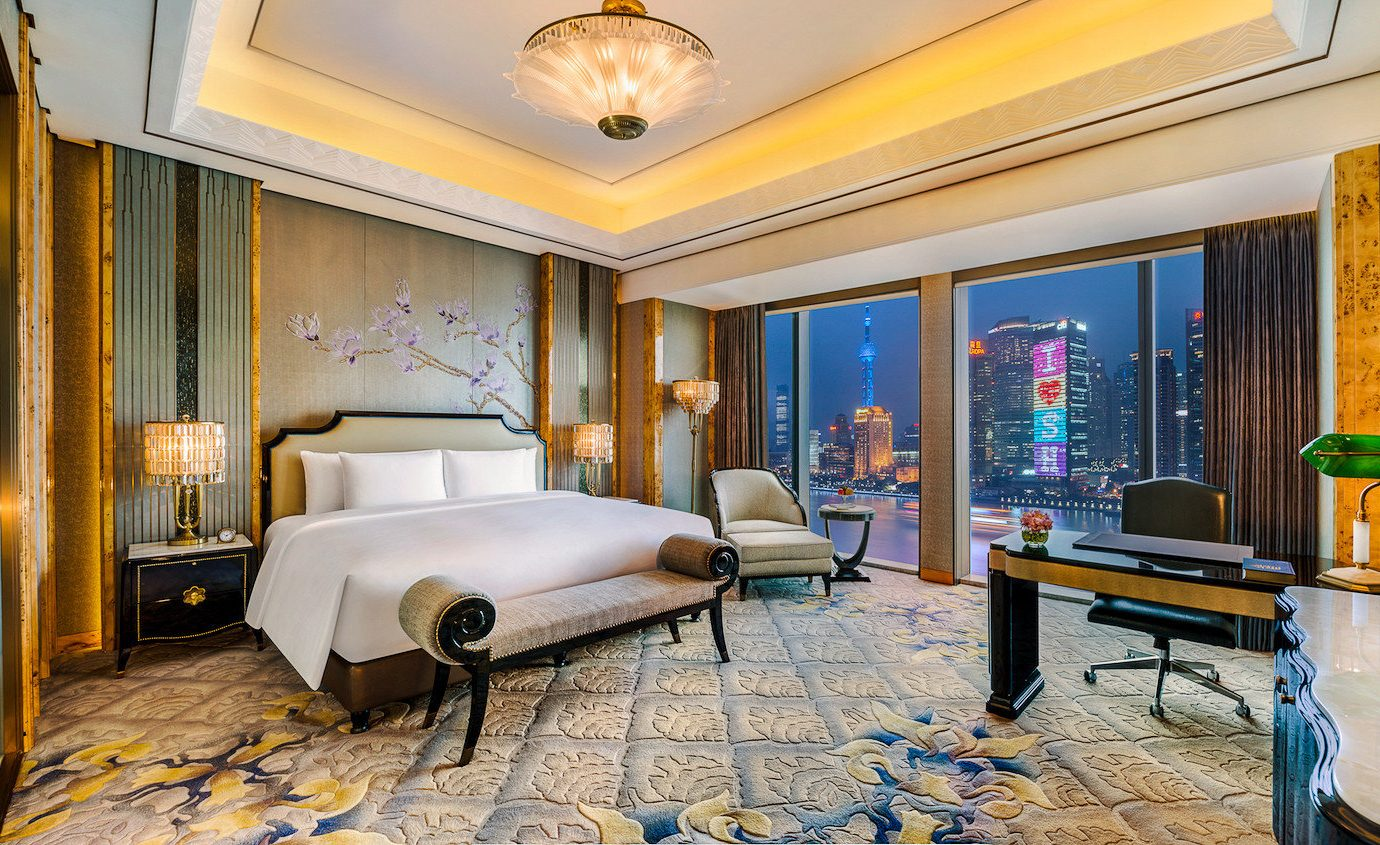 Suite Bedroom Lobby