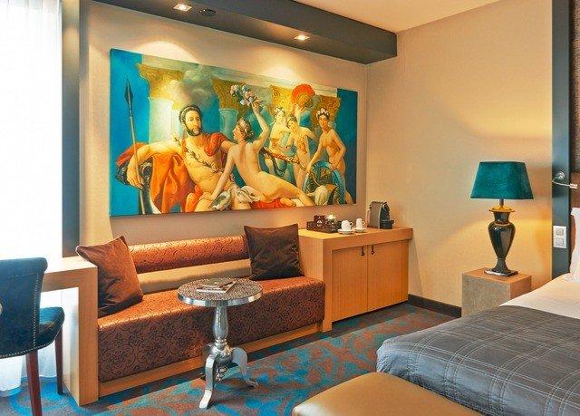 property living room scene Suite condominium Lobby waiting room recreation room Bedroom lamp painting