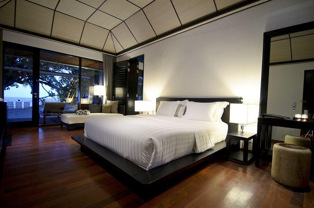 property Bedroom living room Suite home condominium Lobby Villa loft