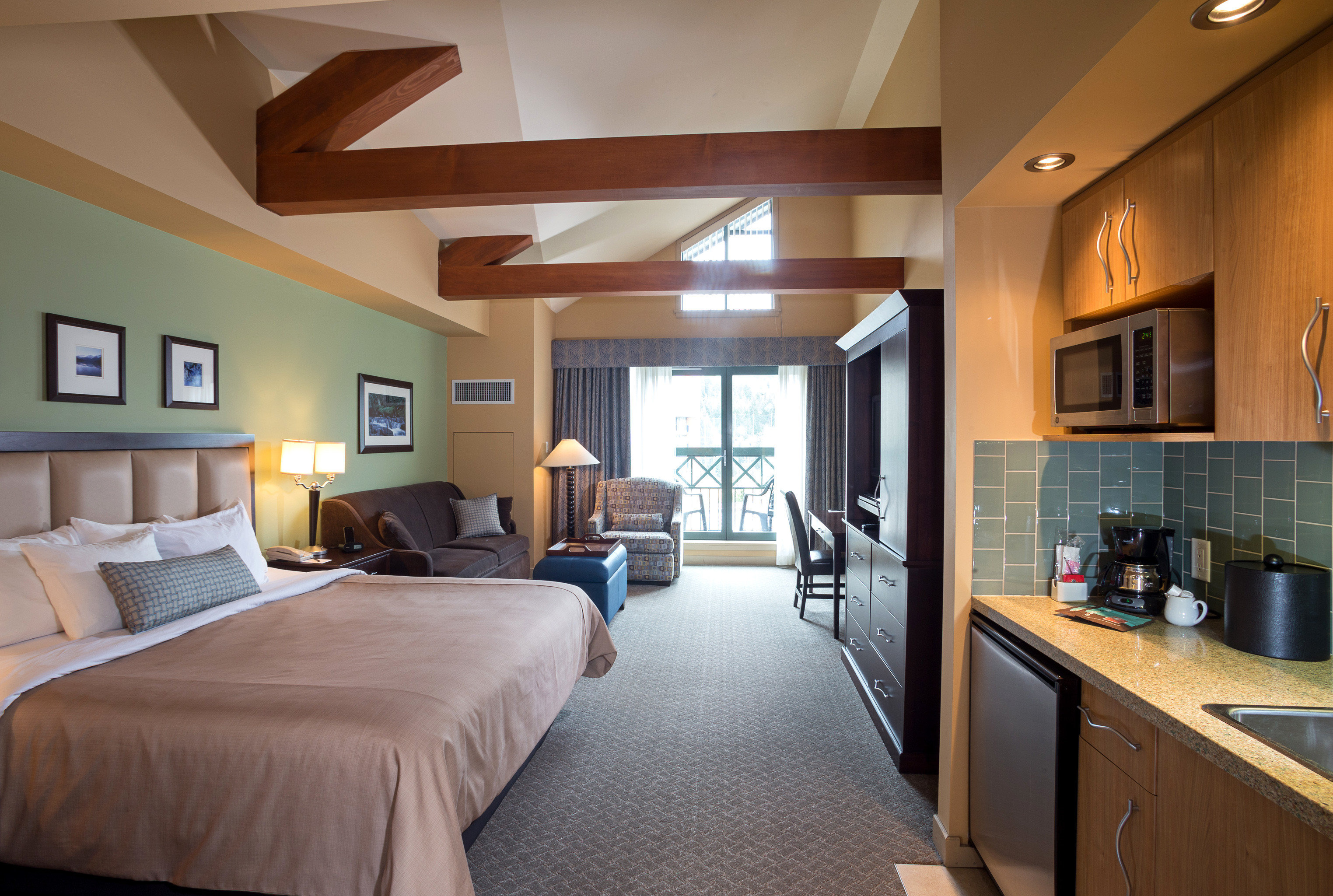 Bedroom Lodge Lounge Scenic views property home Suite hardwood living room cottage condominium
