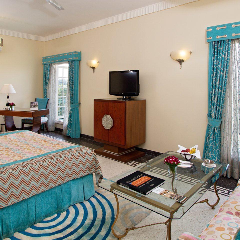 Bedroom Lodge Modern property living room cottage Suite Villa colorful