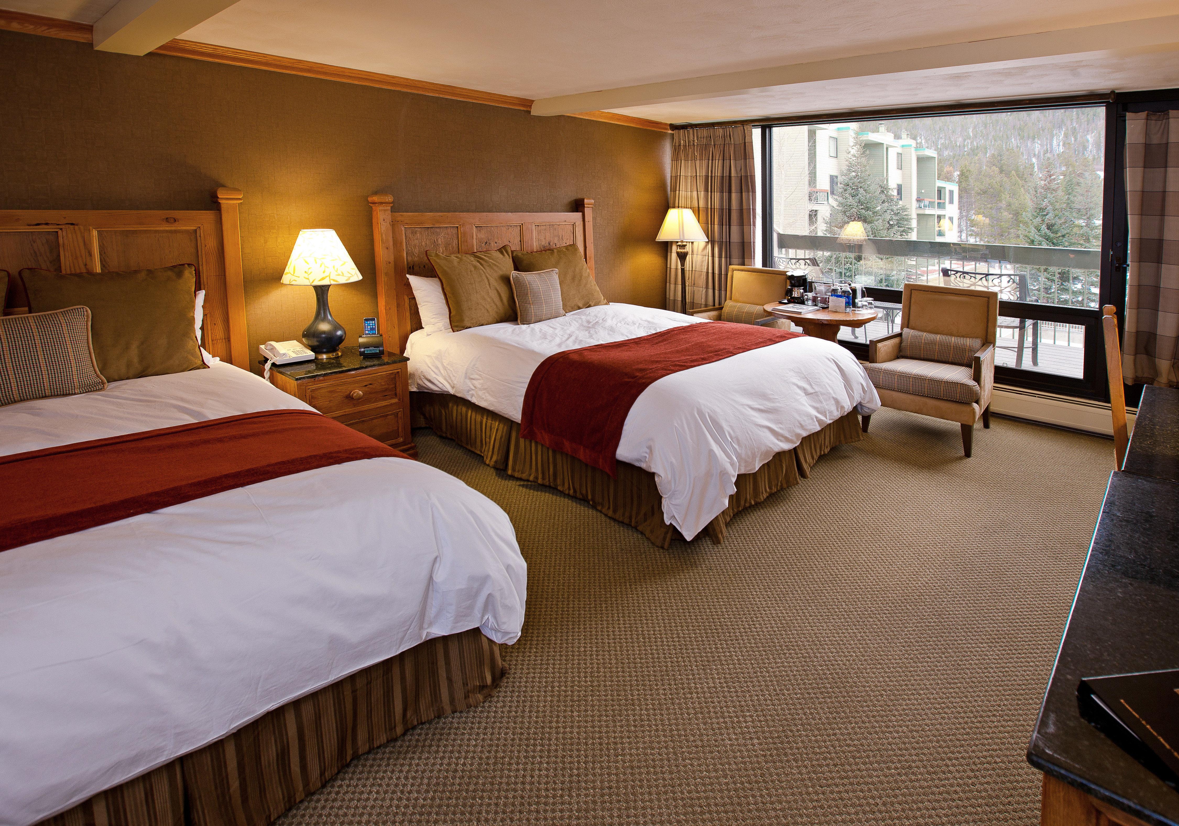 Bedroom Lodge Rustic property Suite cottage Resort night