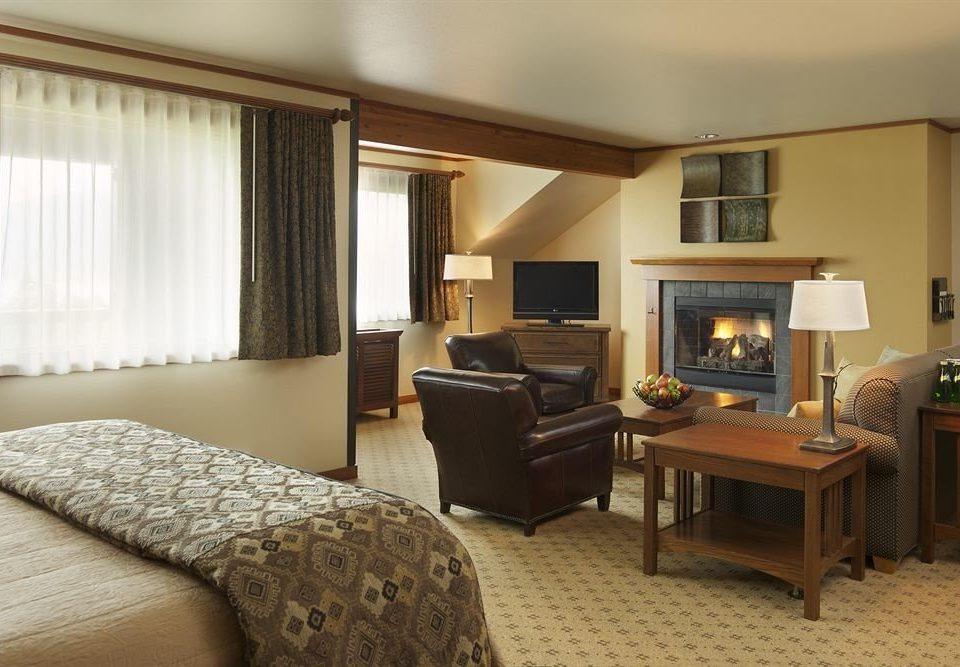 Lodge Resort sofa property Bedroom Suite condominium living room home cottage Villa lamp
