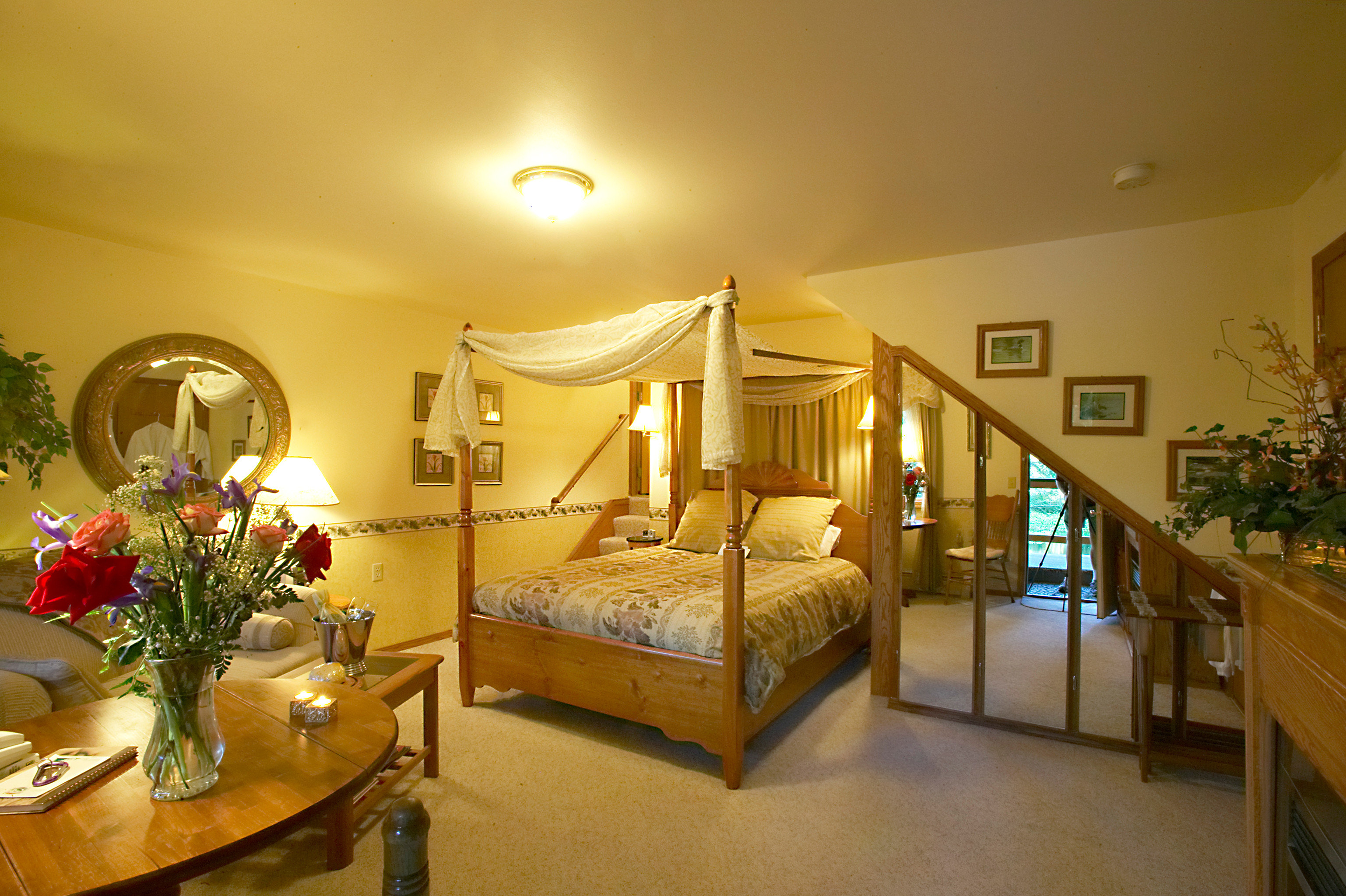 Bedroom Lodge property home Villa living room mansion cottage Suite