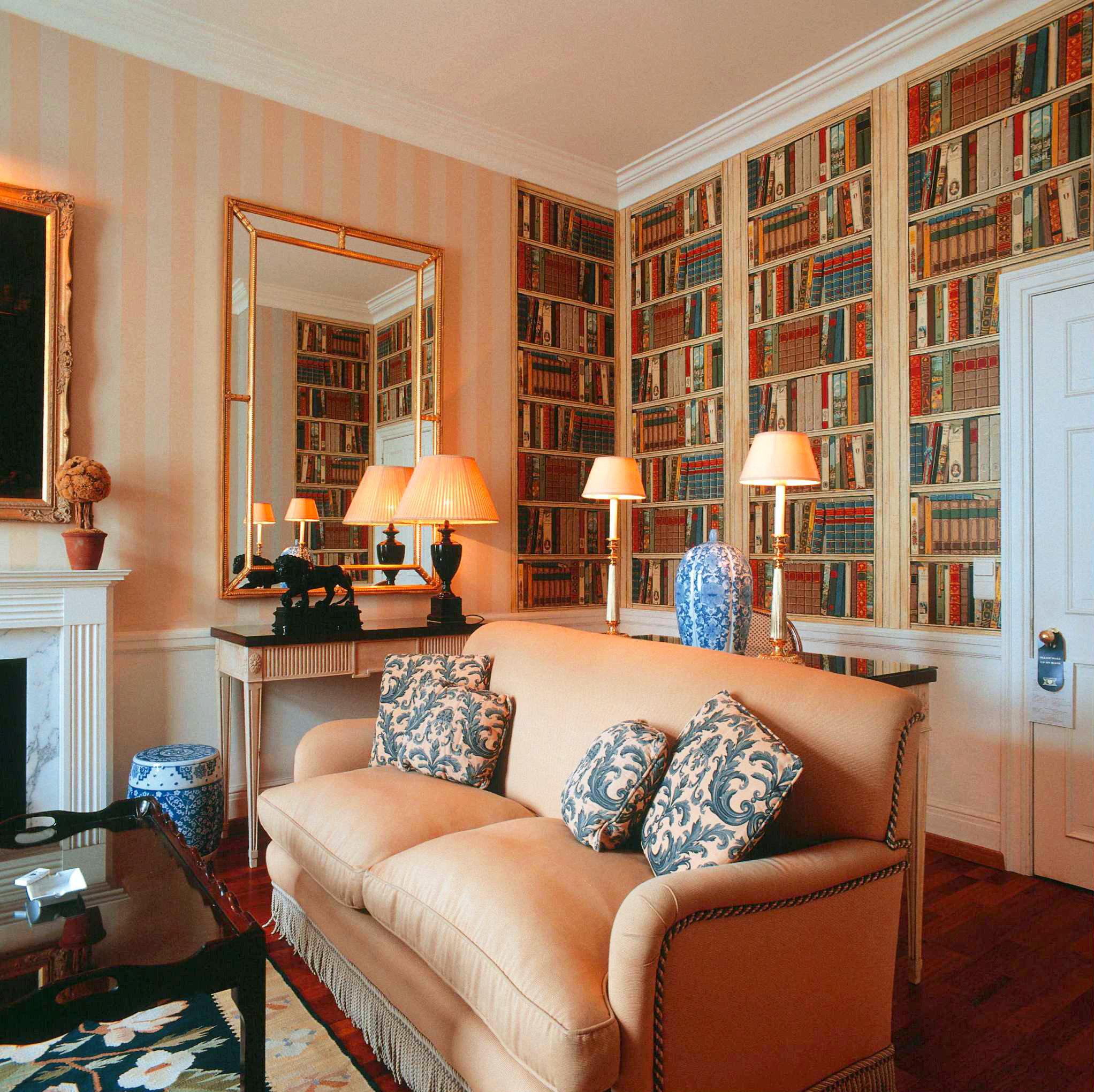 Lounge Luxury sofa living room property home hardwood Bedroom cottage