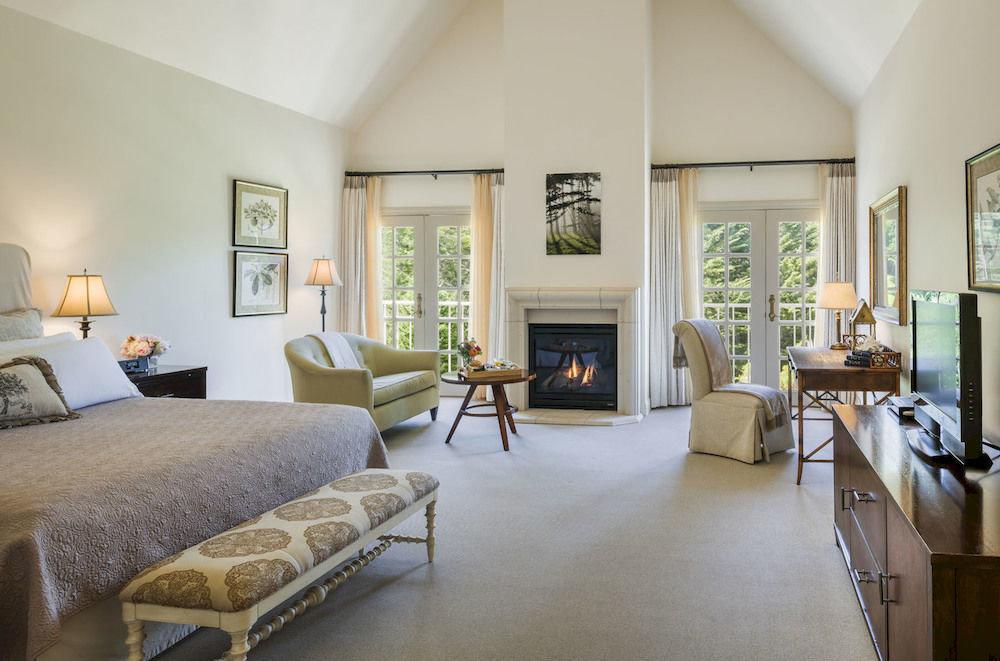 Bedroom Lounge Luxury Modern Suite property living room home condominium hardwood Villa cottage loft