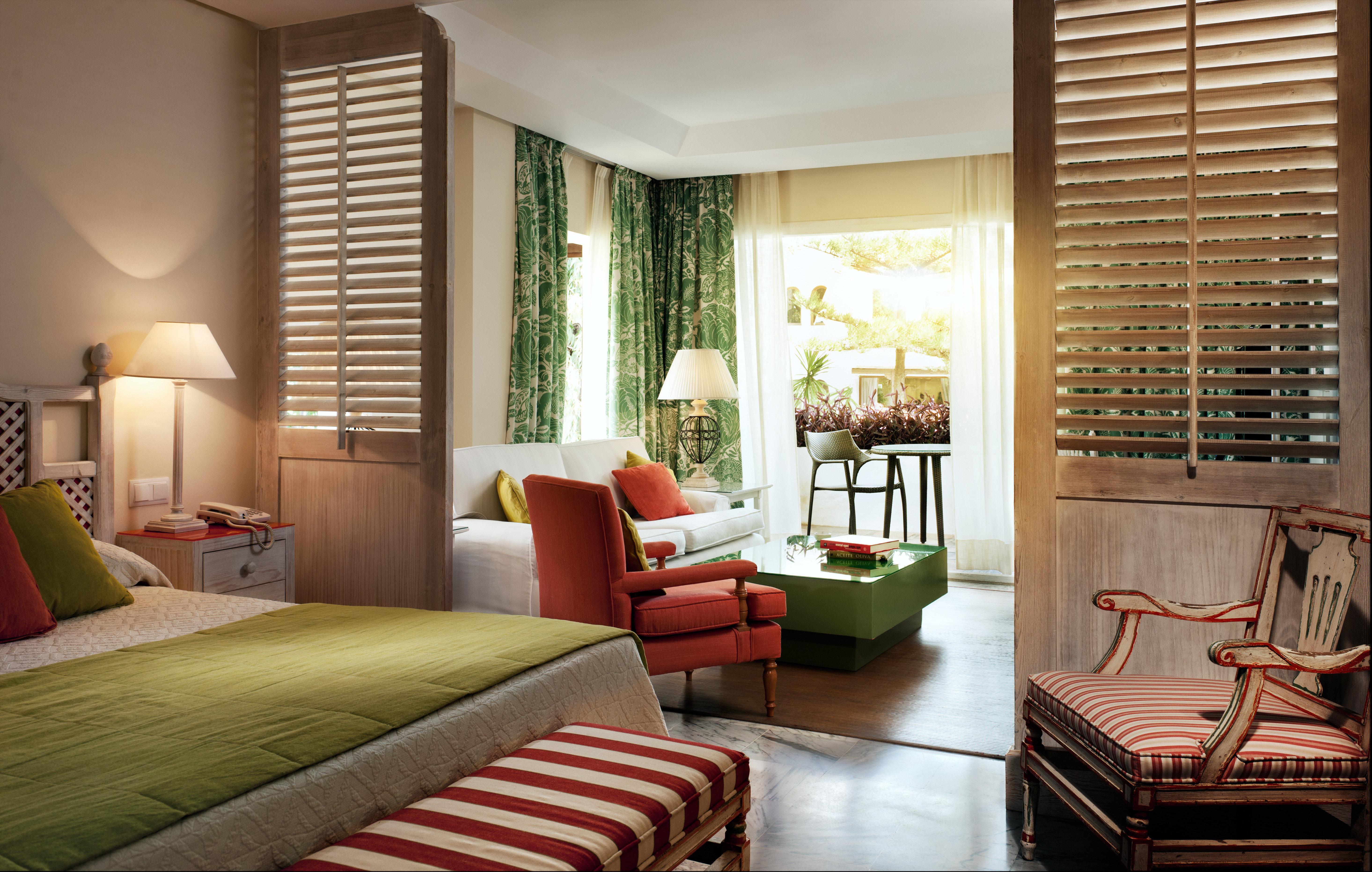 Bedroom Lounge Luxury Modern Suite living room property home hardwood red condominium cottage