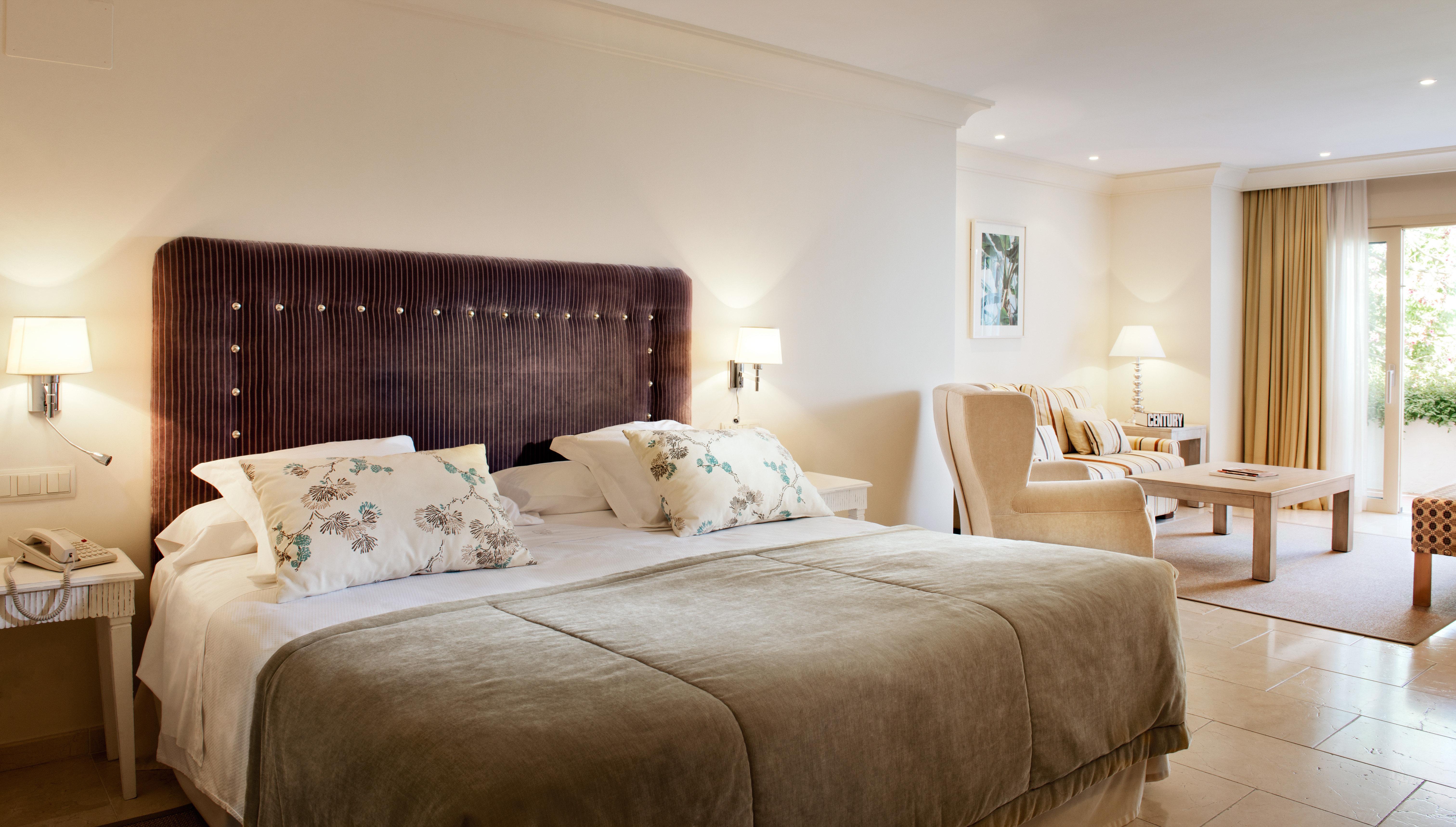 Bedroom Lounge Luxury Modern Suite sofa property scene living room home cottage tan