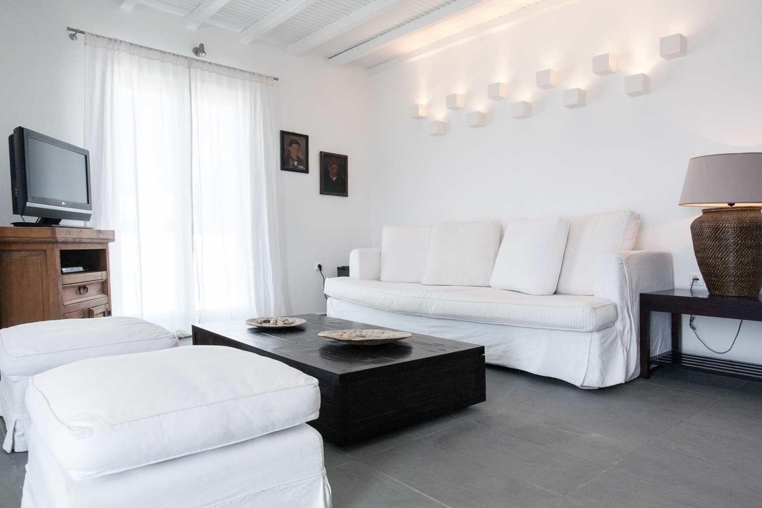 Lounge Luxury Modern sofa property living room Suite Bedroom condominium white home cottage Villa