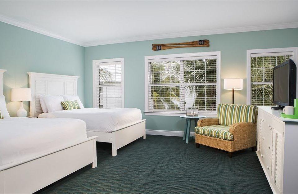 Bedroom Lounge Luxury Modern Suite sofa green property living room home hardwood cottage