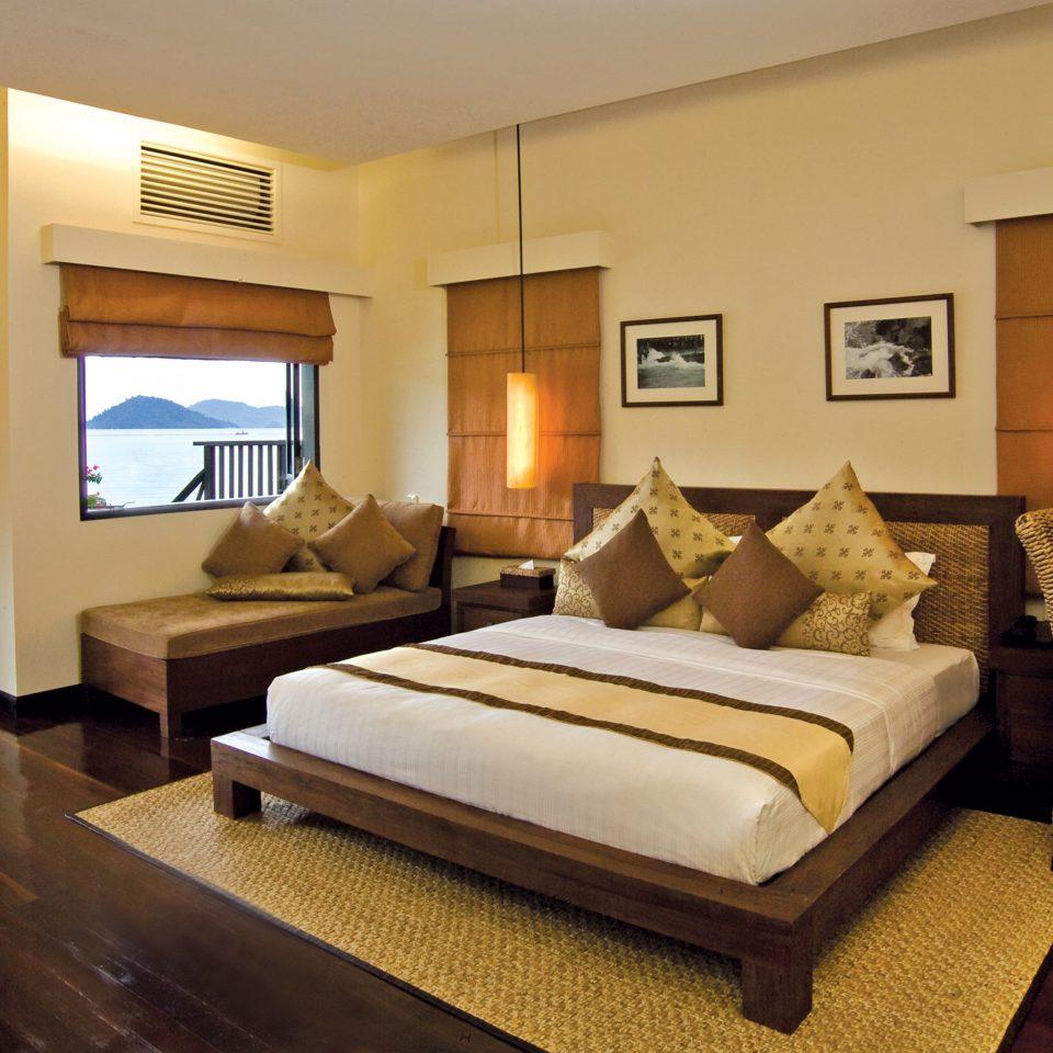 Bedroom Lounge Luxury Modern Suite property living room home cottage Villa Resort condominium mansion
