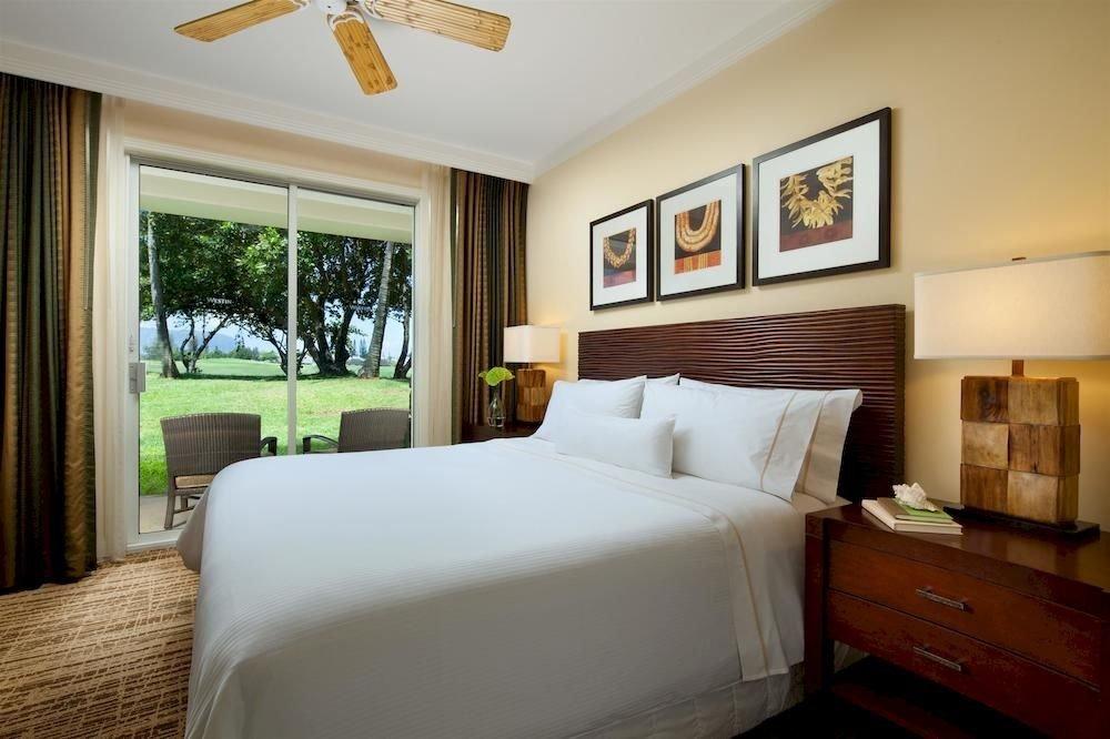 Bedroom Lounge Luxury Modern Suite sofa property home cottage Villa living room pillow condominium