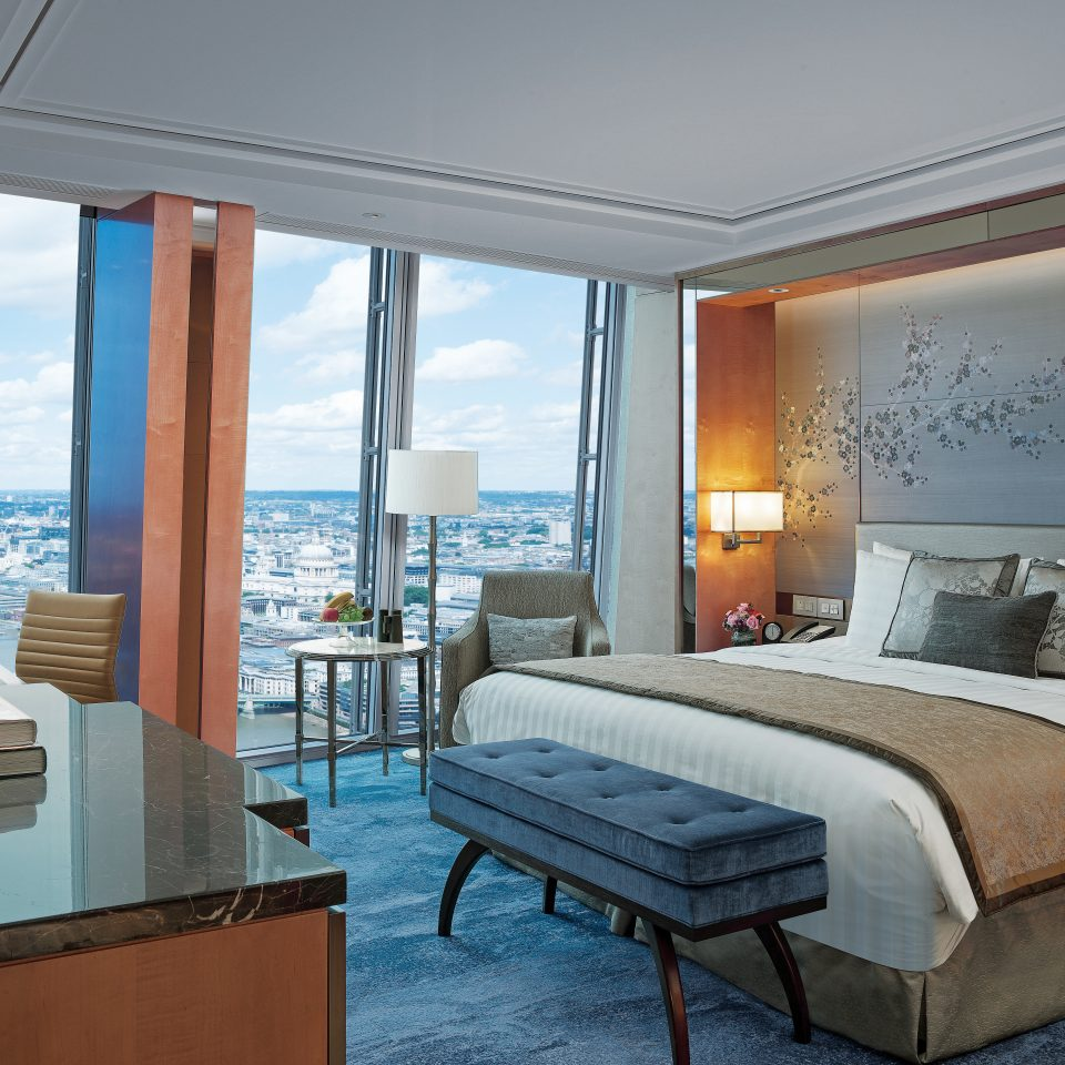 Bedroom Lounge Luxury Modern Suite property home yacht Villa Resort condominium passenger ship cottage vehicle overlooking