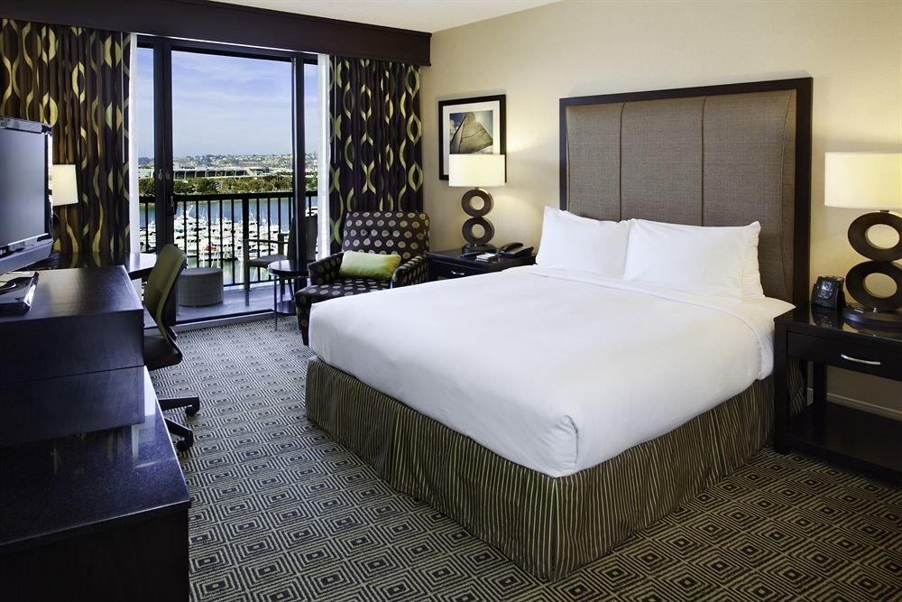 Bedroom Lounge Luxury Modern Suite property condominium cottage Villa