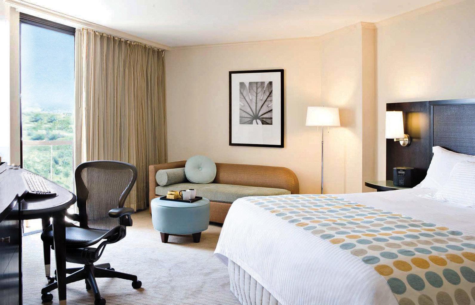 Bedroom Lounge Luxury Suite property chair condominium nice living room cottage