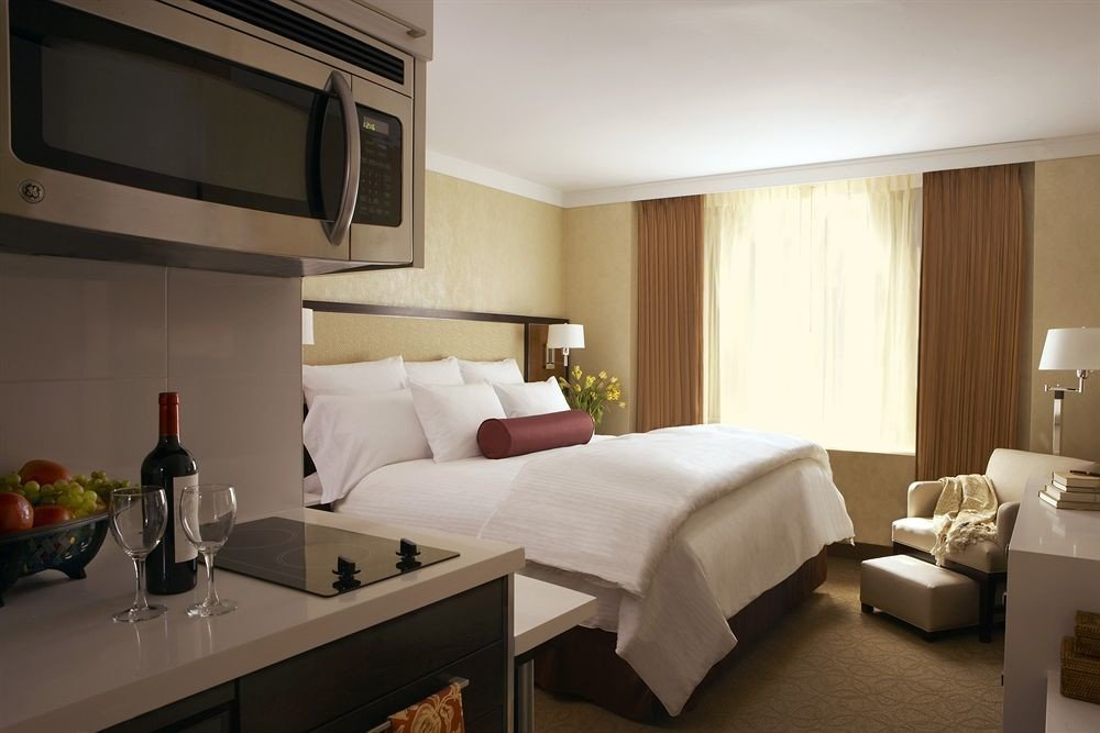 Bedroom Lounge Luxury Suite property condominium home living room cottage Villa flat