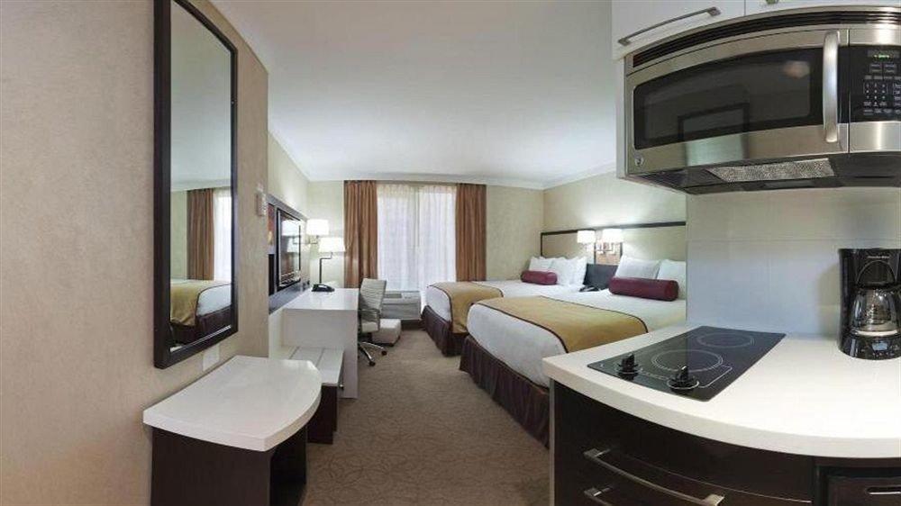 Bedroom Lounge Luxury Suite property condominium home cottage