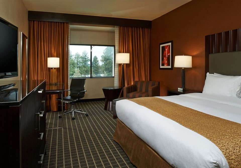 Bedroom Lounge Luxury Suite sofa property cottage condominium flat lamp