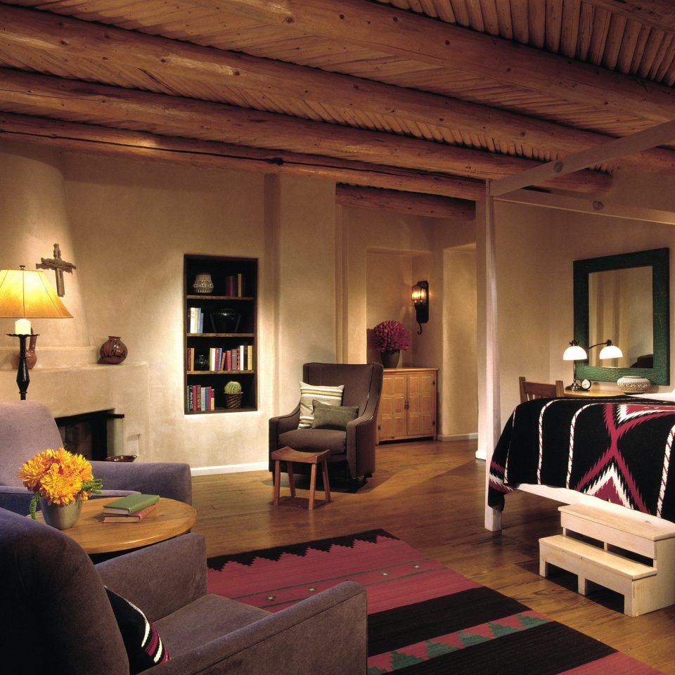Bedroom Lounge Modern Rustic sofa living room property house home recreation room cottage Villa farmhouse