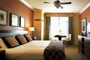 Bedroom Lounge Modern Suite property cottage condominium living room