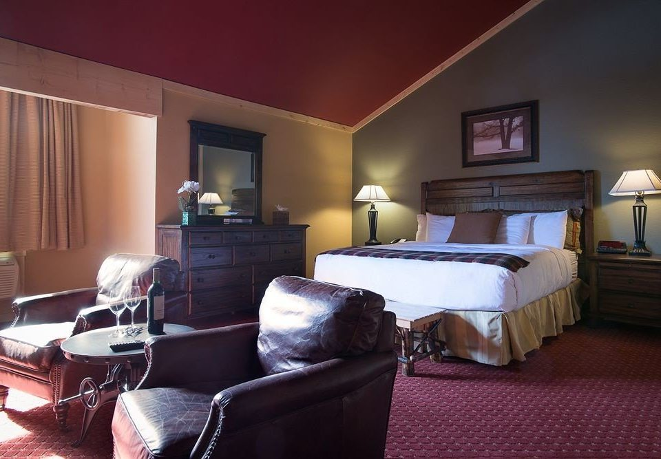 Bedroom Lounge Suite Wine-Tasting property living room home cottage