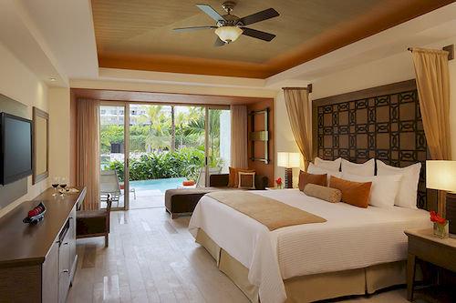 Bedroom Luxury Modern Patio Romantic Scenic views Suite sofa property Resort home cottage living room Villa condominium mansion