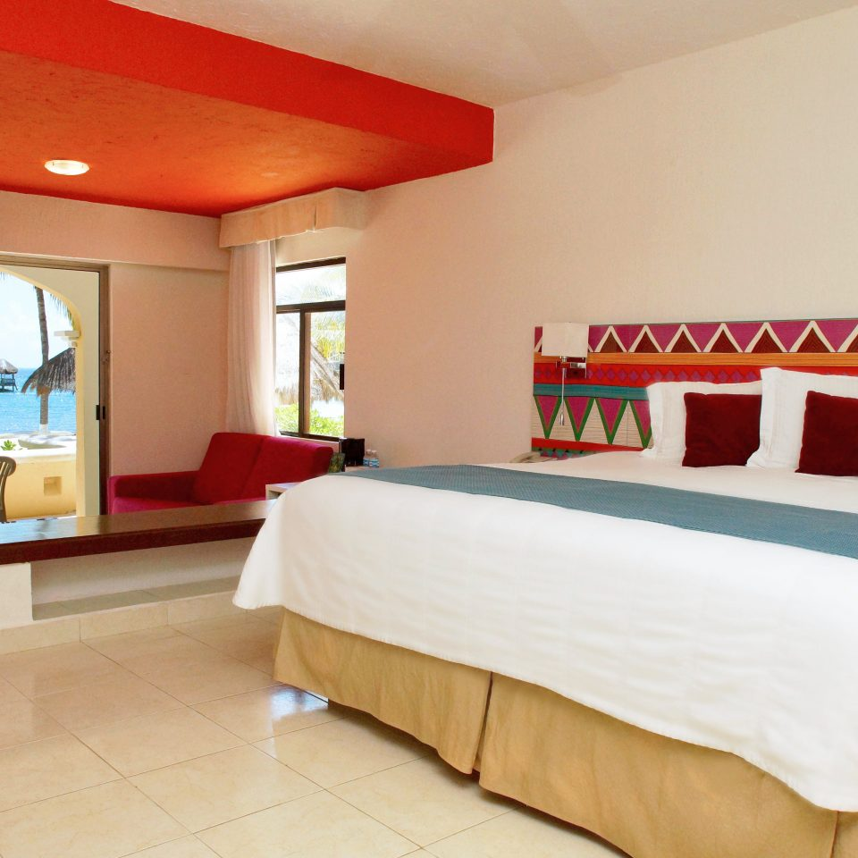 Bedroom Luxury Modern Patio Scenic views Suite property Resort cottage Villa