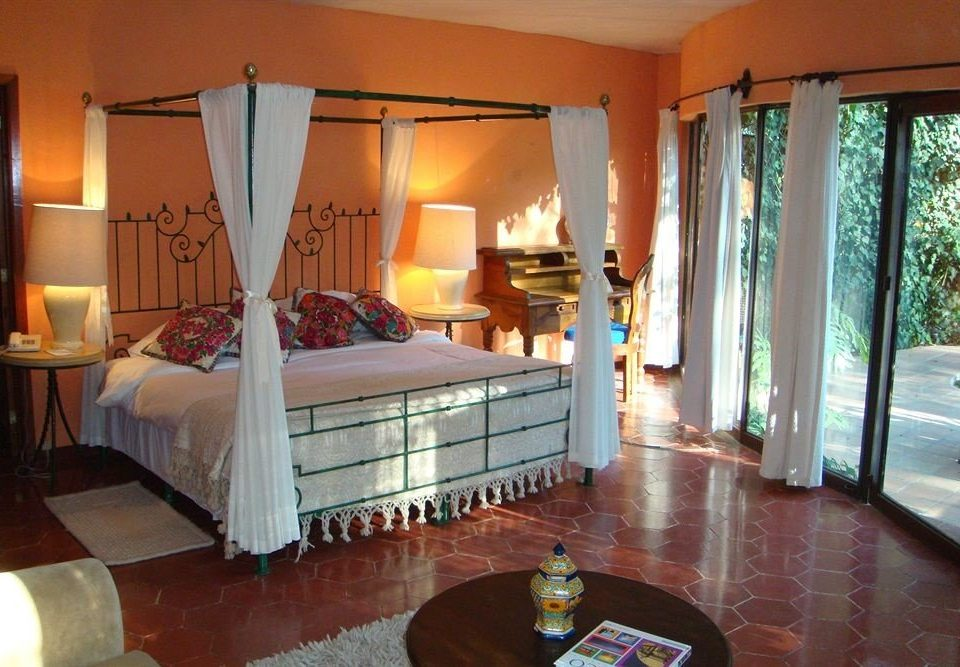 Bedroom Luxury Modern Romantic Scenic views property Villa Suite Resort cottage mansion living room