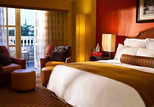 Bedroom Luxury Modern Suite sofa property Resort cottage flat