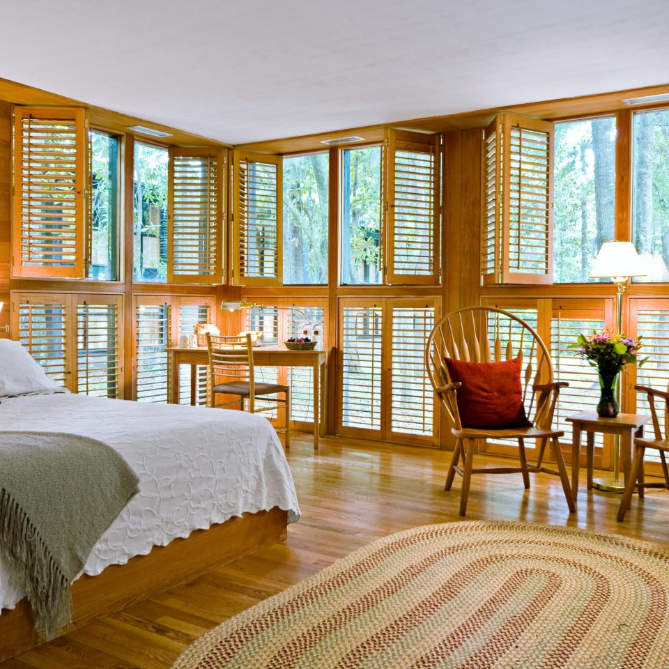 Bedroom Luxury Modern Suite chair property Resort home condominium living room cottage Villa