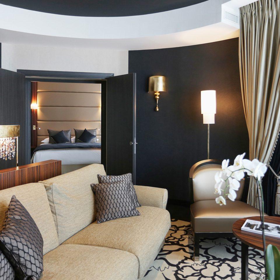 Bedroom Luxury Modern Resort living room property chair Suite curtain home condominium nice