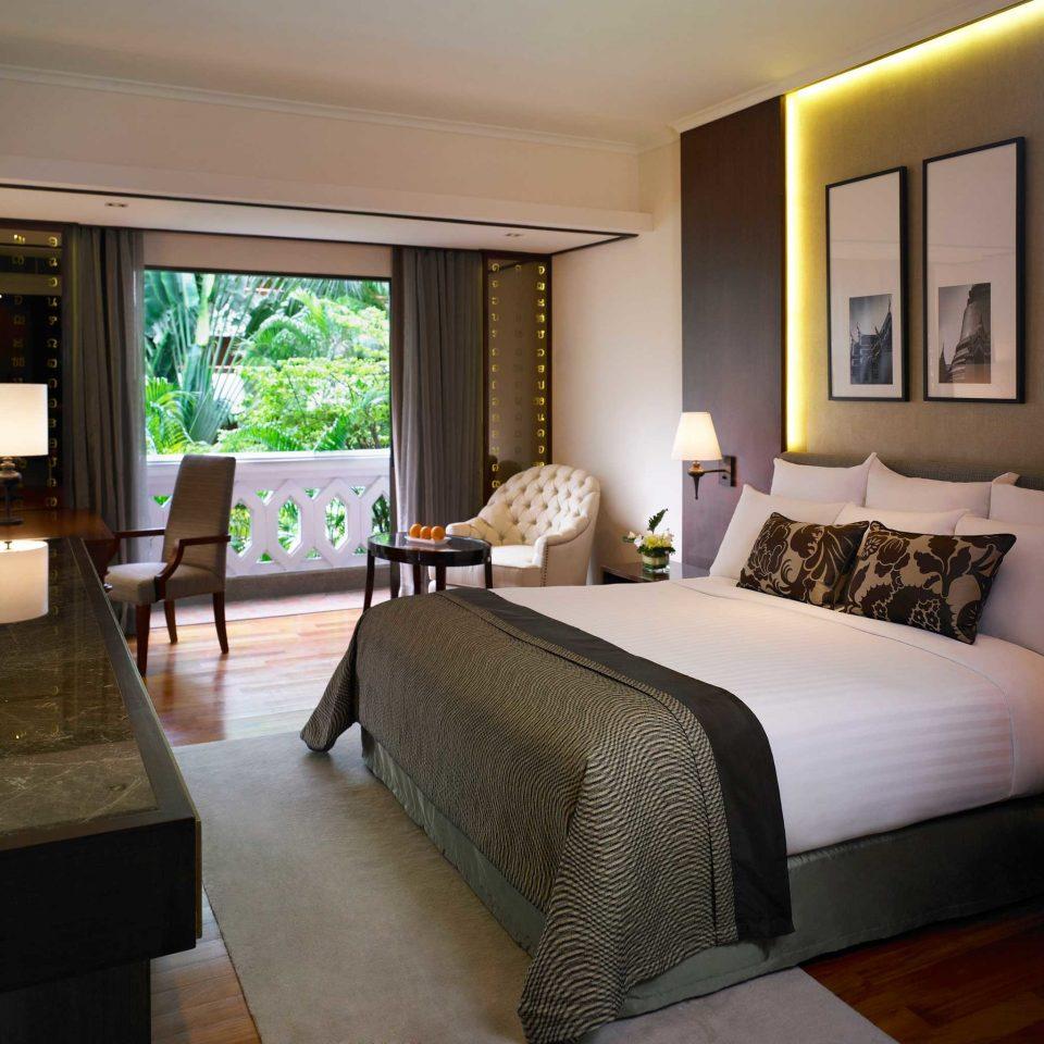 Bedroom Luxury Modern Suite property condominium living room home Villa cottage Resort mansion
