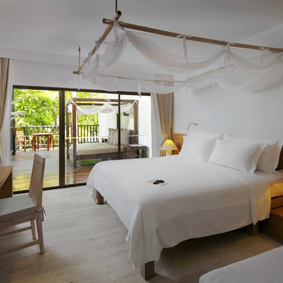 Bedroom Luxury Modern Suite property Villa cottage Resort living room