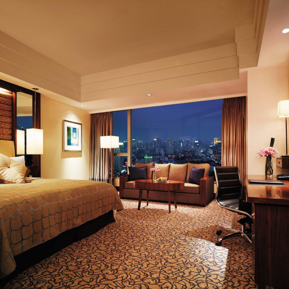 Bedroom Luxury Modern Scenic views Suite property living room recreation room Resort condominium cottage