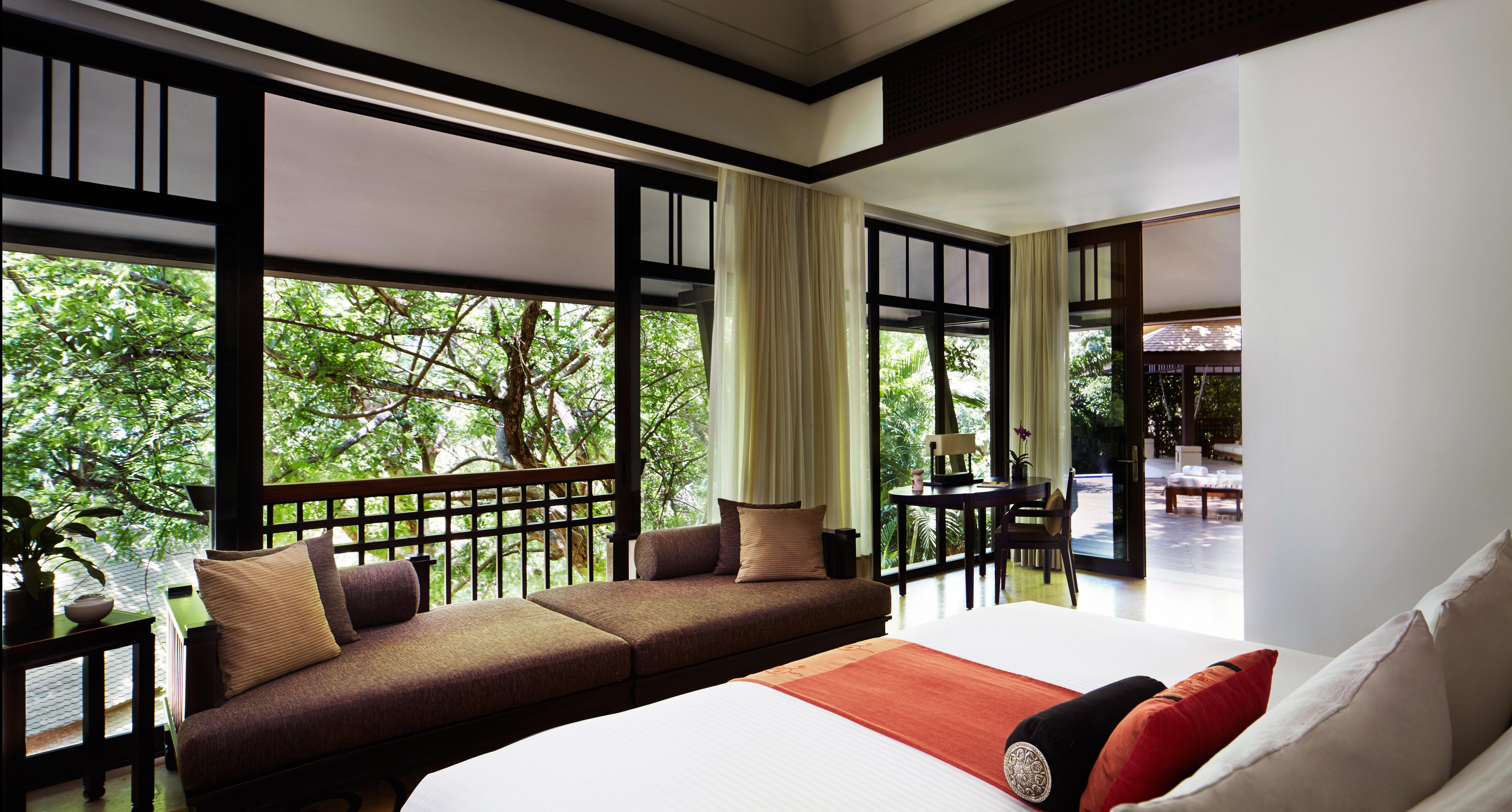 Bedroom Luxury Modern Romantic Scenic views Suite sofa property living room condominium home house Resort Villa mansion flat