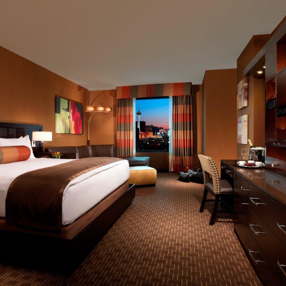 Bedroom Luxury Modern Scenic views Suite property Resort Villa living room